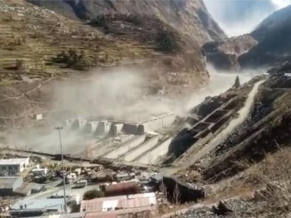 Vỡ sông băng khiến nhiều người mất tích ở Ấn Độ: Những hình ảnh kinh hoàng và những lý do có thể ảnh 4