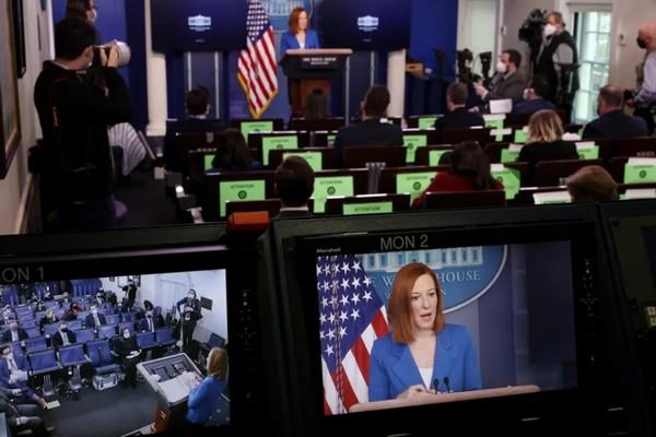 """Jen Psaki, Thư ký báo chí Nhà Trắng của Tổng thống Biden: """"Thần tượng"""" mới của giới trẻ ảnh 1"""