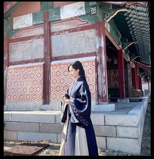"""Tranh cãi gay gắt xoay quanh việc """"bộ hanbok Kim So Hyun mặc là trang phục Trung Quốc"""" ảnh 1"""