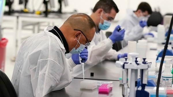 """Đã xuất hiện hai biến thể SARS-CoV-2 kết hợp với nhau, tạo thành phiên bản lai """"đột biến nặng"""" ảnh 2"""