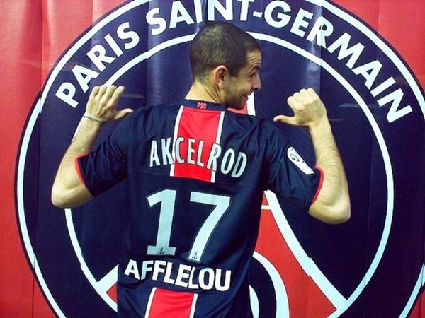 Chuyện thật như đùa: Giả làm cầu thủ, lừa đội bóng Champions League ký hợp đồng 500 triệu/ tháng ảnh 2