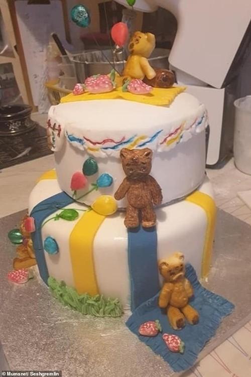 Đặt bạn làm bánh sinh nhật hình heo con, khi nhận được thì khóc thét vì… không nhận ra con gì ảnh 3