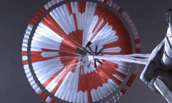Màu sắc chiếc dù của tàu thăm dò sao Hỏa ẩn chứa thông điệp bí mật, nhưng cư dân mạng đã giải được ảnh 2