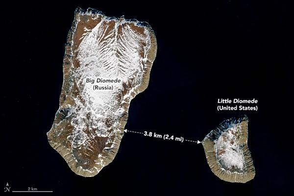 """""""Du hành xuyên thời gian"""" là có thật: Nếu đến hòn đảo này, bạn có thể đi bộ ngược về quá khứ ảnh 1"""