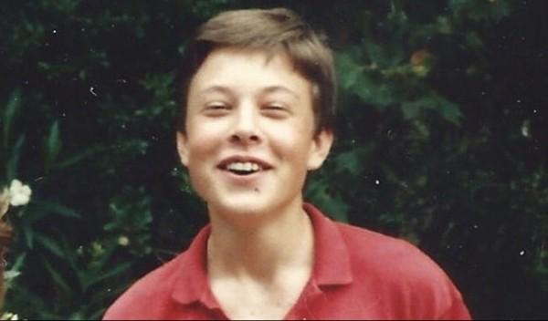 Ai mà ngờ Elon Musk từng phải thi lại môn Tin học năm 17 tuổi, nhưng lý do còn bất ngờ hơn ảnh 1