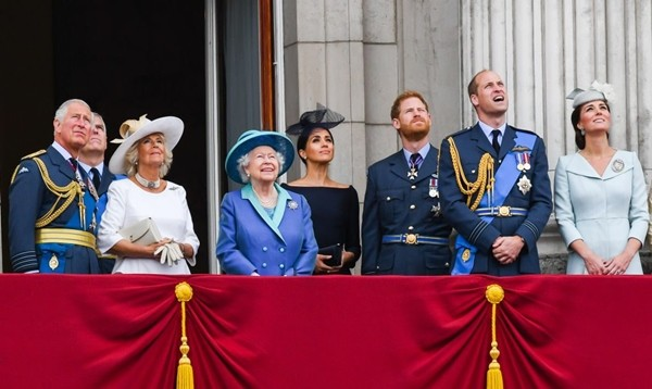 Meghan nói suốt 2 tiếng, Nữ hoàng Anh phản hồi bằng 61 từ nhưng mang rất nhiều ý nghĩa ảnh 3