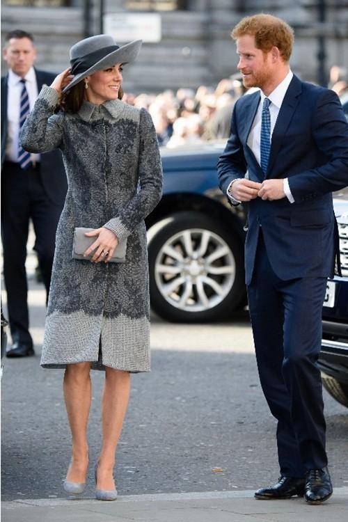 Có phải tình bạn thân giữa Công nương Kate và Harry đã gây ra vết rạn giữa Meghan và Kate? ảnh 4