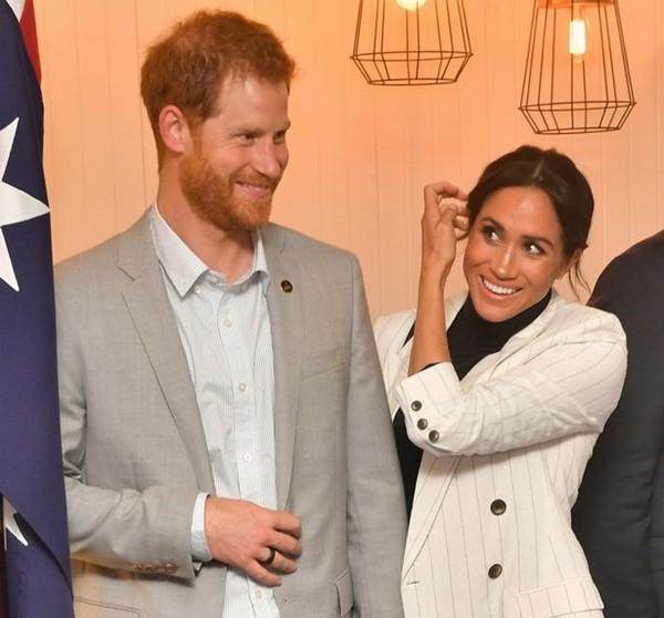 """Bị Hoàng gia Anh """"cắt đứt tài chính"""" nhưng Meghan - Harry đã trở thành """"cặp đôi triệu phú"""" ảnh 4"""