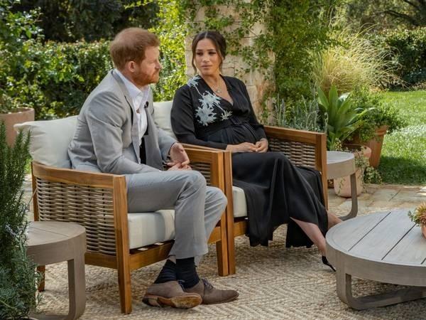 """William - Kate có động thái đầy ẩn ý: Gửi thư cho cậu bé tên là Harry, với chi tiết """"lạ"""" ảnh 1"""