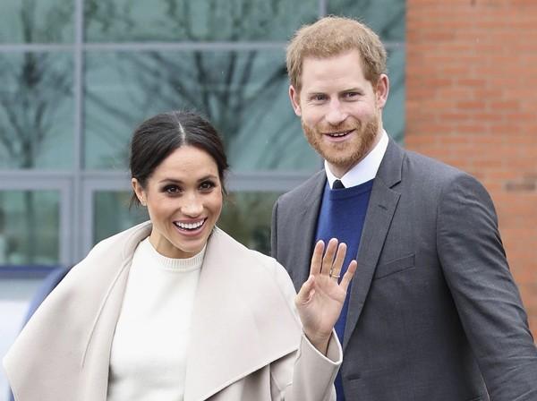 Hành động mới nhất của vợ chồng Meghan - Harry: Thẳng thừng tỏ thái độ không cần Hoàng gia ảnh 4