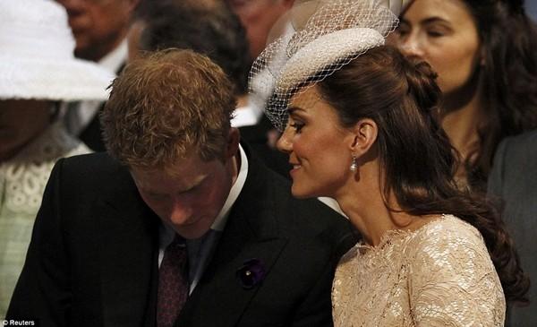 Hoàng tử Harry có nickname ngọt ngào để gọi chị dâu Kate, liệu có khiến Meghan không vui? ảnh 1