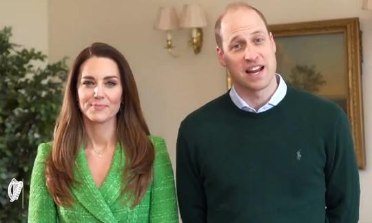 William - Kate lại xuất hiện cùng nhau: Thể hiện sự đoàn kết, như chưa hề có sự vụ Meghan ảnh 1