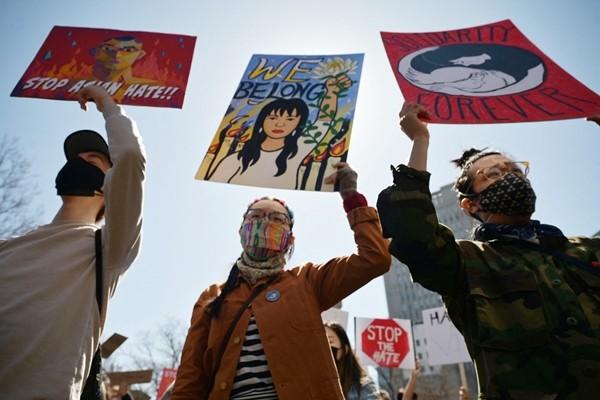 7 bức ảnh xúc động trong làn sóng chống thù ghét người châu Á đang diễn ra ở Mỹ ảnh 4