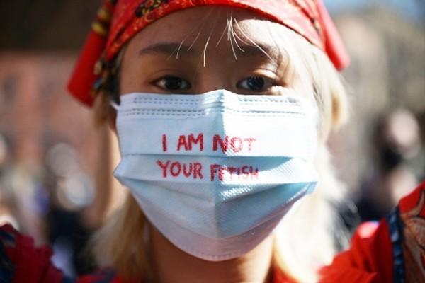 7 bức ảnh xúc động trong làn sóng chống thù ghét người châu Á đang diễn ra ở Mỹ ảnh 5
