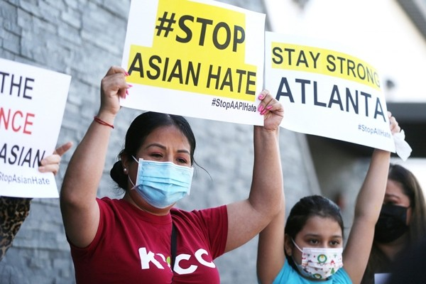 7 bức ảnh xúc động trong làn sóng chống thù ghét người châu Á đang diễn ra ở Mỹ ảnh 6