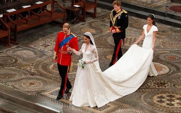 William và Kate quay lại nơi họ đã kết hôn, nhưng lần này vì một mục đích hoàn toàn khác ảnh 2