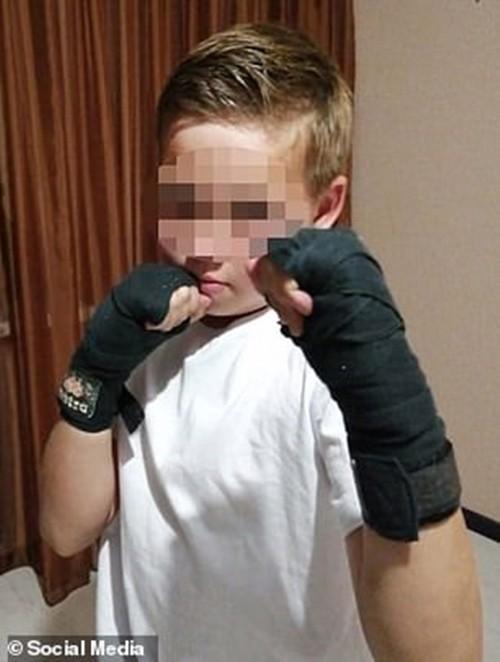 Cậu bé 11 tuổi nhảy từ tầng 23 xuống, trúng chiếc xe tải và sống sót kỳ diệu ảnh 1