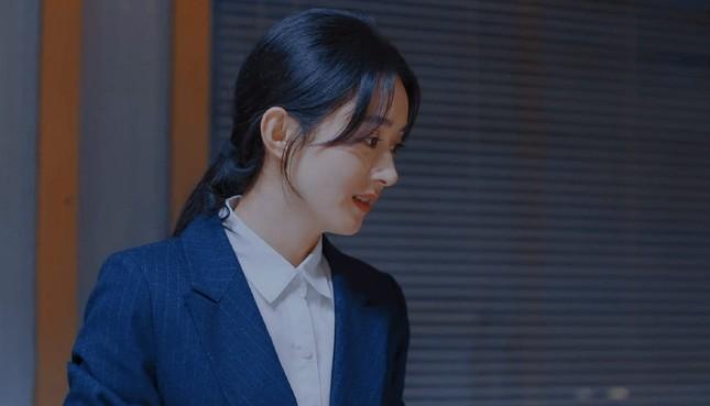 """Sau tất cả, netizen tin rằng nhân vật thôn nữ mới là """"chân ái"""" của Triệu Lệ Dĩnh ảnh 3"""