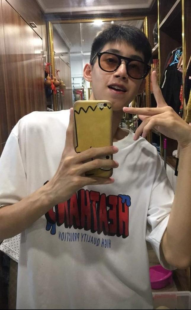 Chụp chung MC Diệp Chi (Đường lên đỉnh Olympia), nam sinh gây chú ý bởi vẻ ngoài điển trai ảnh 7