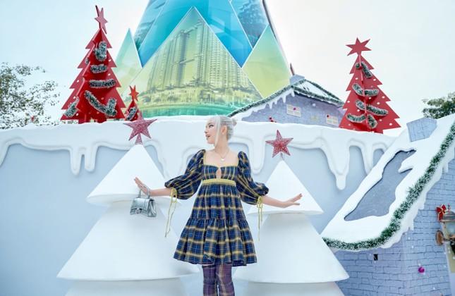 """Hà Nội: Bạn đã kịp check-in cùng """"cây măng Noel"""" đẹp như ở trời Âu chưa? ảnh 4"""