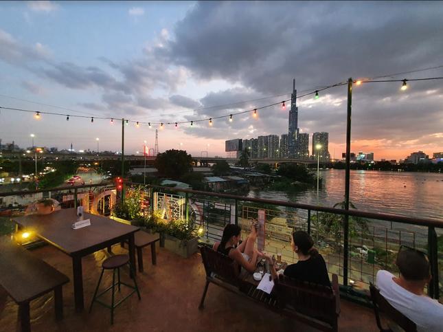"""Hai địa điểm ngắm hoàng hôn lãng mạn, view sống ảo """"đỉnh của chóp"""" tại phía Đông Sài Gòn  ảnh 5"""