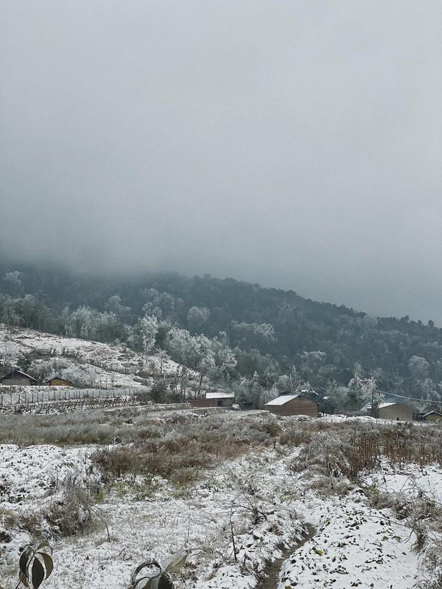 Y Tý, Sa Pa những ngày tuyết mùa Đông: Đẹp như lạc vào thế giới cổ tích của Frozen ảnh 5