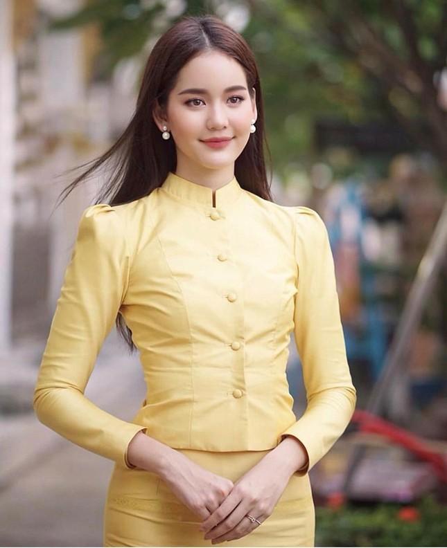 'Nàng thơ' Thái Lan cao 1,76 m, nổi tiếng đa tài ảnh 4
