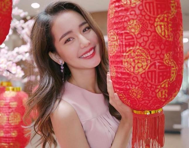 'Nàng thơ' Thái Lan cao 1,76 m, nổi tiếng đa tài ảnh 5
