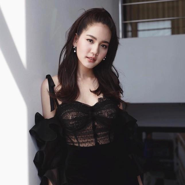 'Nàng thơ' Thái Lan cao 1,76 m, nổi tiếng đa tài ảnh 6
