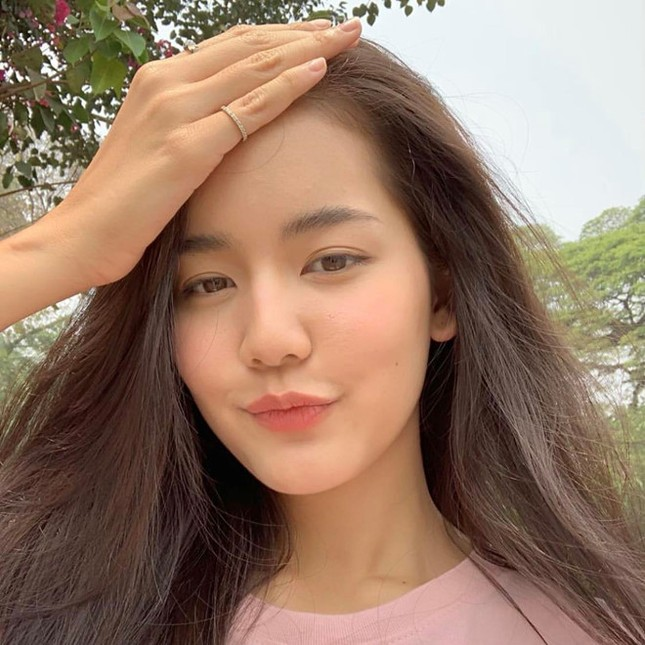 'Nàng thơ' Thái Lan cao 1,76 m, nổi tiếng đa tài ảnh 7