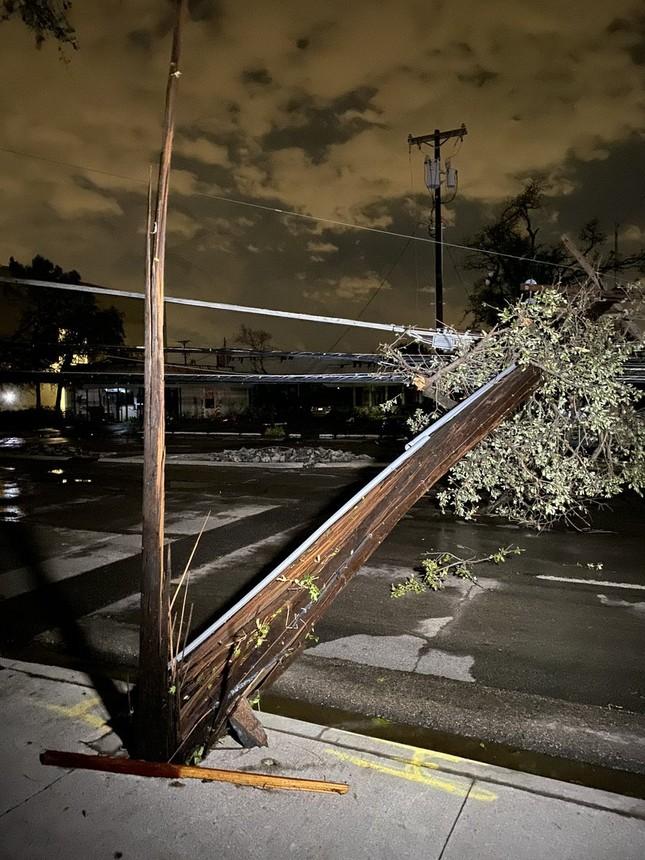 Lốc xoáy bất ngờ ập đến trong đêm, Texas tan hoang ảnh 6