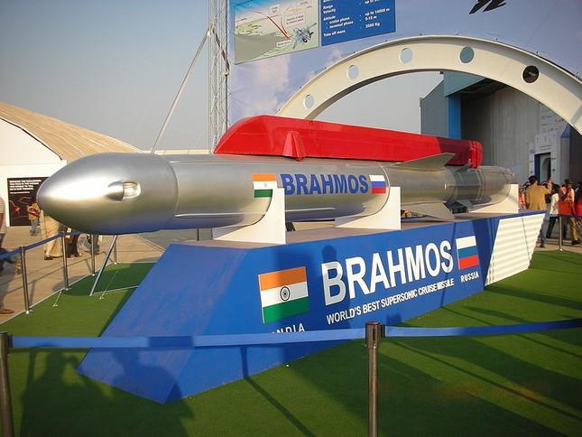 Lộ quốc gia Đông Nam Á muốn sở hữu tên lửa siêu thanh BrahMos ảnh 1