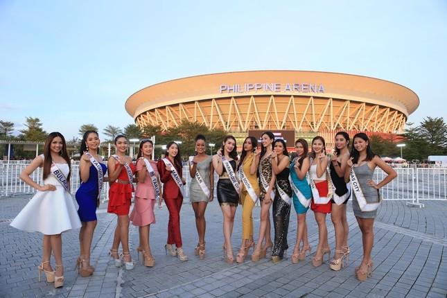 Dàn hoa hậu Philippines nóng bỏng gây 'náo loạn' lễ khai mạc SEA Games 30 ảnh 1