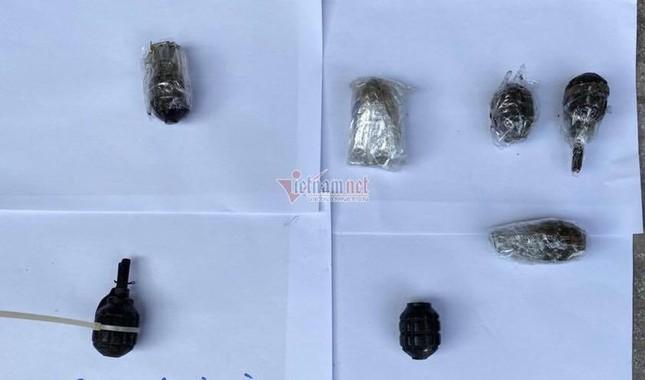 Thu giữ lựu đạn, bom xăng, bắt các đối tượng gây rối ở xã Đồng Tâm ảnh 4