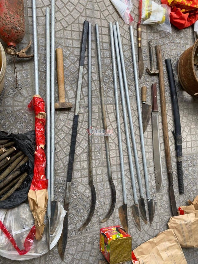 Thu giữ lựu đạn, bom xăng, bắt các đối tượng gây rối ở xã Đồng Tâm ảnh 5