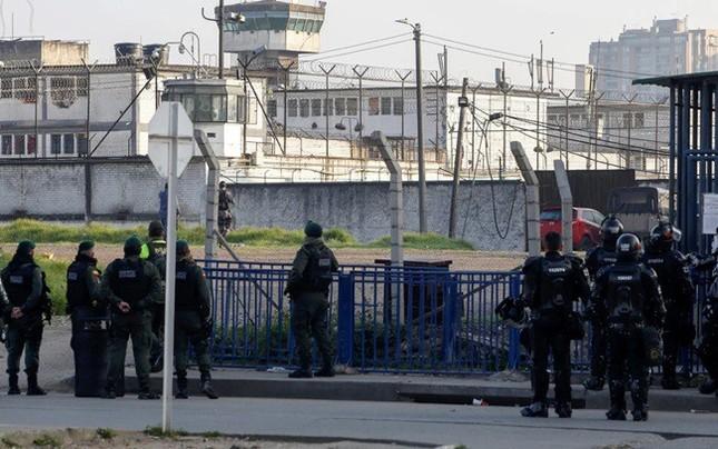 Bạo loạn ở nhà tù Colombia vì Covid-19, hơn trăm người thương vong ảnh 2