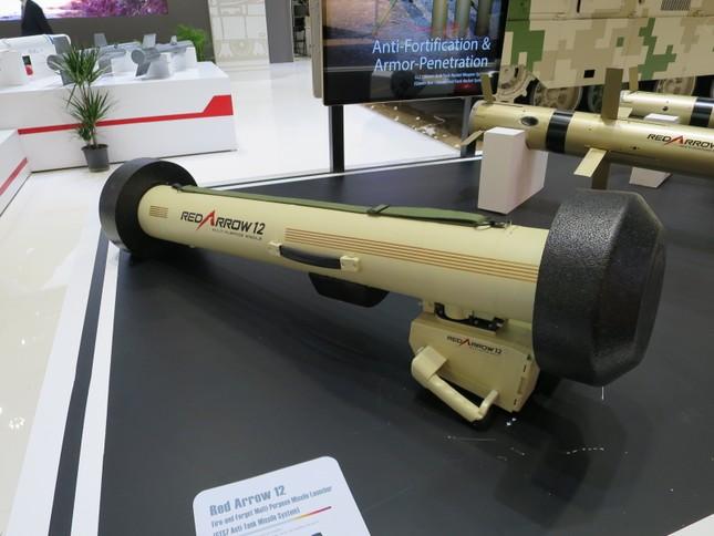 Khám phá Hồng Tiễn 12 - tên lửa chống tăng di động đầu tiên của Trung Quốc ảnh 3