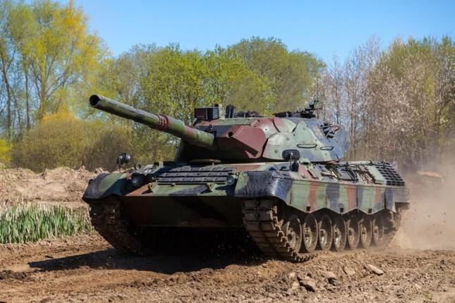 NATO tháo rời gần 500 chiếc xe tăng Leopard-1 để... bán phế liệu ảnh 1