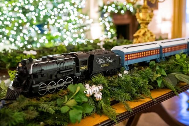 Nhà Trắng trang hoàng lộng lẫy đón Giáng sinh 2020 ảnh 3