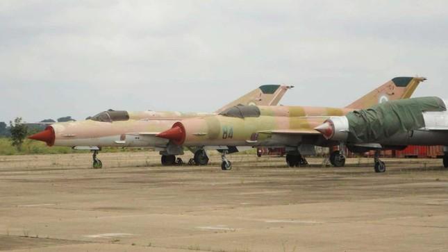 Nigeria rao bán trực tuyến 20 máy bay chiến đấu MiG-21 do Liên Xô sản xuất ảnh 2