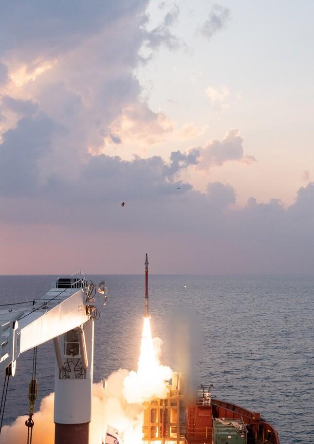 Israel khai hoả hệ thống phòng thủ tên lửa đa tầm ảnh 2