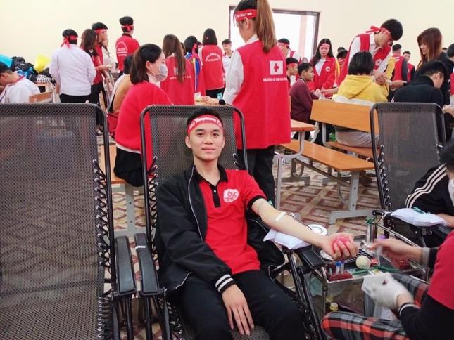 Đại học Thái Nguyên khởi động chương trình Chủ nhật Đỏ lần thứ XIII năm 2021 ảnh 3