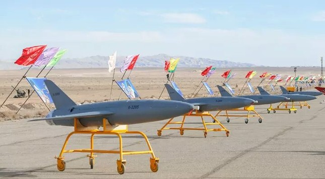Iran khoe máy bay không người láI 'có thể tấn công căn cứ Mỹ ở châu Âu' ảnh 3