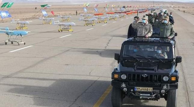 Iran khoe máy bay không người láI 'có thể tấn công căn cứ Mỹ ở châu Âu' ảnh 1