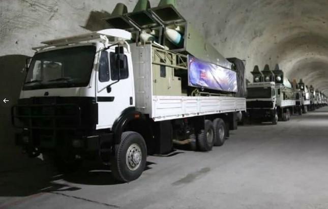 Iran lộ căn cứ tên lửa tuyệt mật bên bờ Vịnh Ba Tư ảnh 1