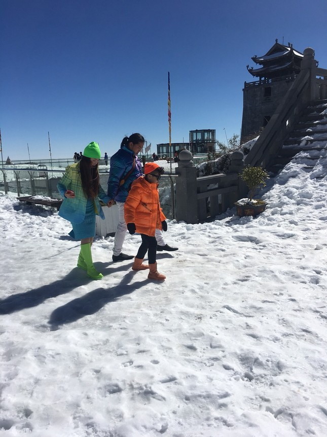 30 Tết vẫn chen chân lên nóc nhà Đông Dương ngắm tuyết ảnh 8