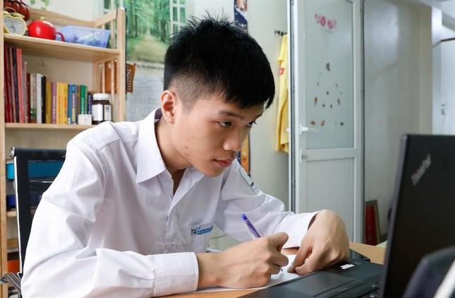 Bảng thành tích xuất sắc của top 20 'Gương mặt trẻ Việt Nam tiêu biểu' năm 2020 ảnh 2