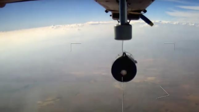 Nga lần đầu hé lộ 'sát thủ' không người lái có thể dội bom, phóng tên lửa đang thử nghiệm Syria ảnh 2