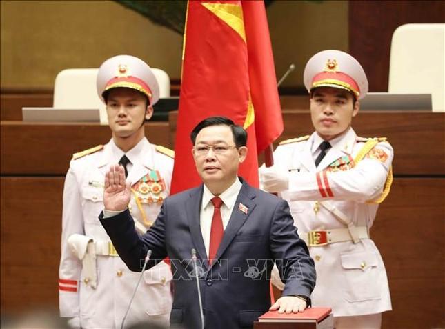 Hình ảnh tân Chủ tịch Quốc hội Vương Đình Huệ tuyên thệ nhậm chức ảnh 6