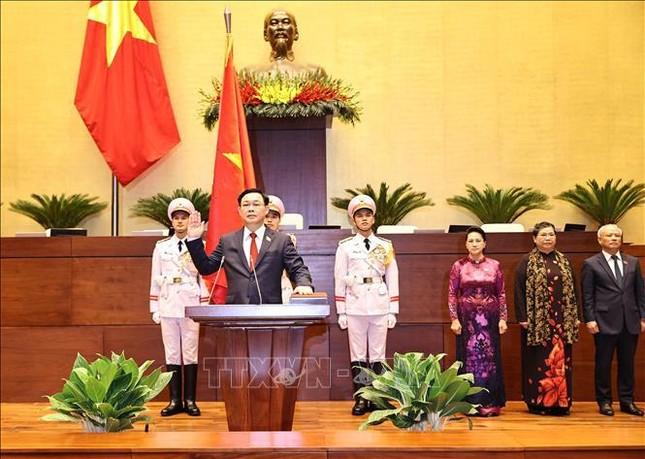 Hình ảnh tân Chủ tịch Quốc hội Vương Đình Huệ tuyên thệ nhậm chức ảnh 7